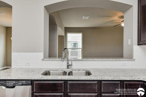 Kitchen-in-2697-at-Heartwood Park-in-Copperas Cove