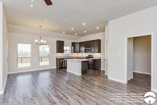 Kitchen-in-1514-at-The Enclave at Park Meadows-in-Lorena