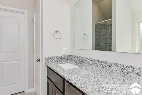 Bathroom-in-1514-at-Lake Creek Village-in-Montgomery