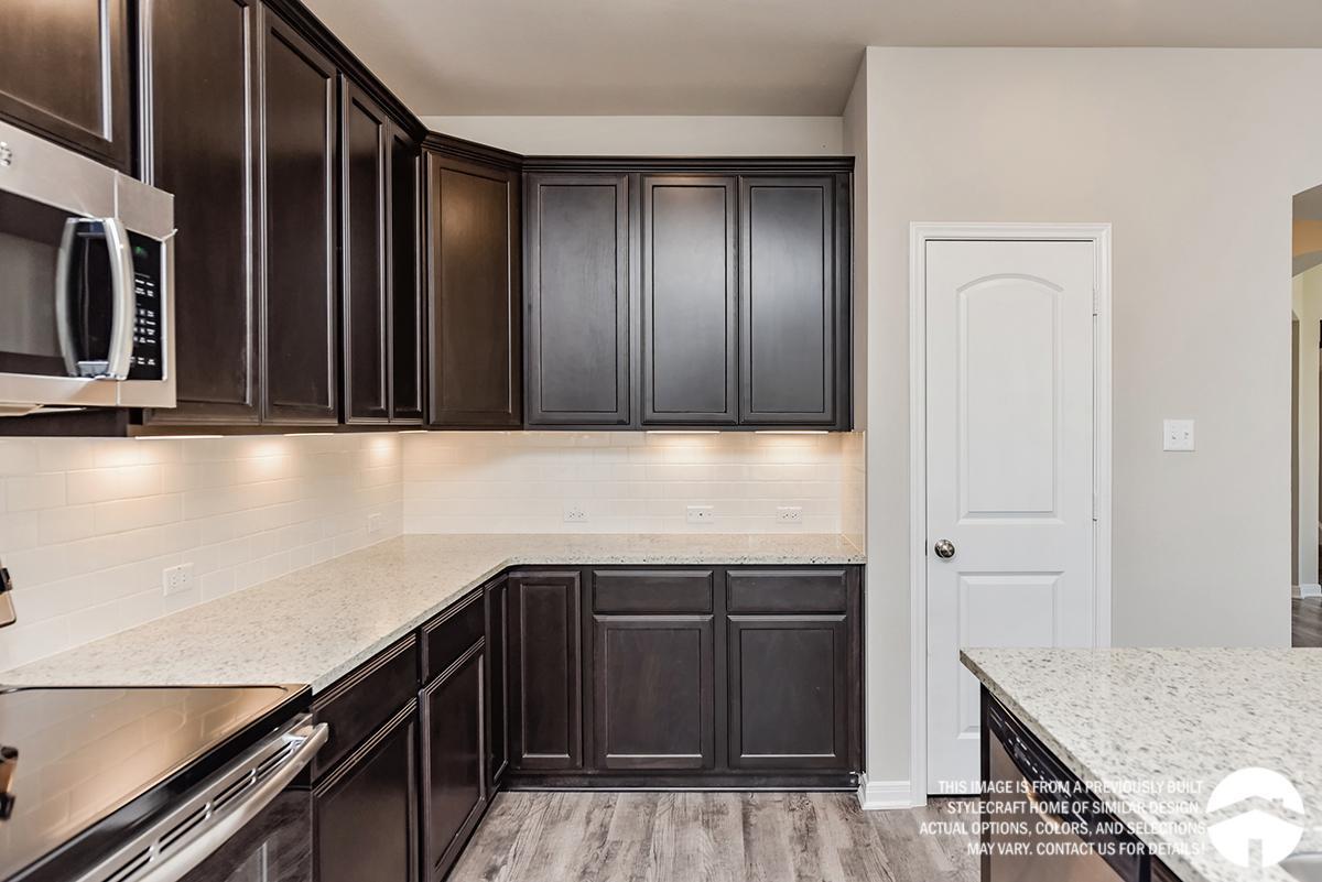 Kitchen-in-3135-at-Bridgewood-in-College Station