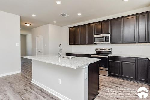 Kitchen-in-3232-at-Heartwood Park-in-Copperas Cove
