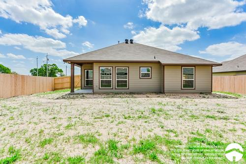 Rear-Design-in-S-1514-at-Heartwood Park-in-Copperas Cove