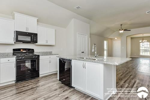 Kitchen-in-S-1475-at-Heartwood Park-in-Copperas Cove