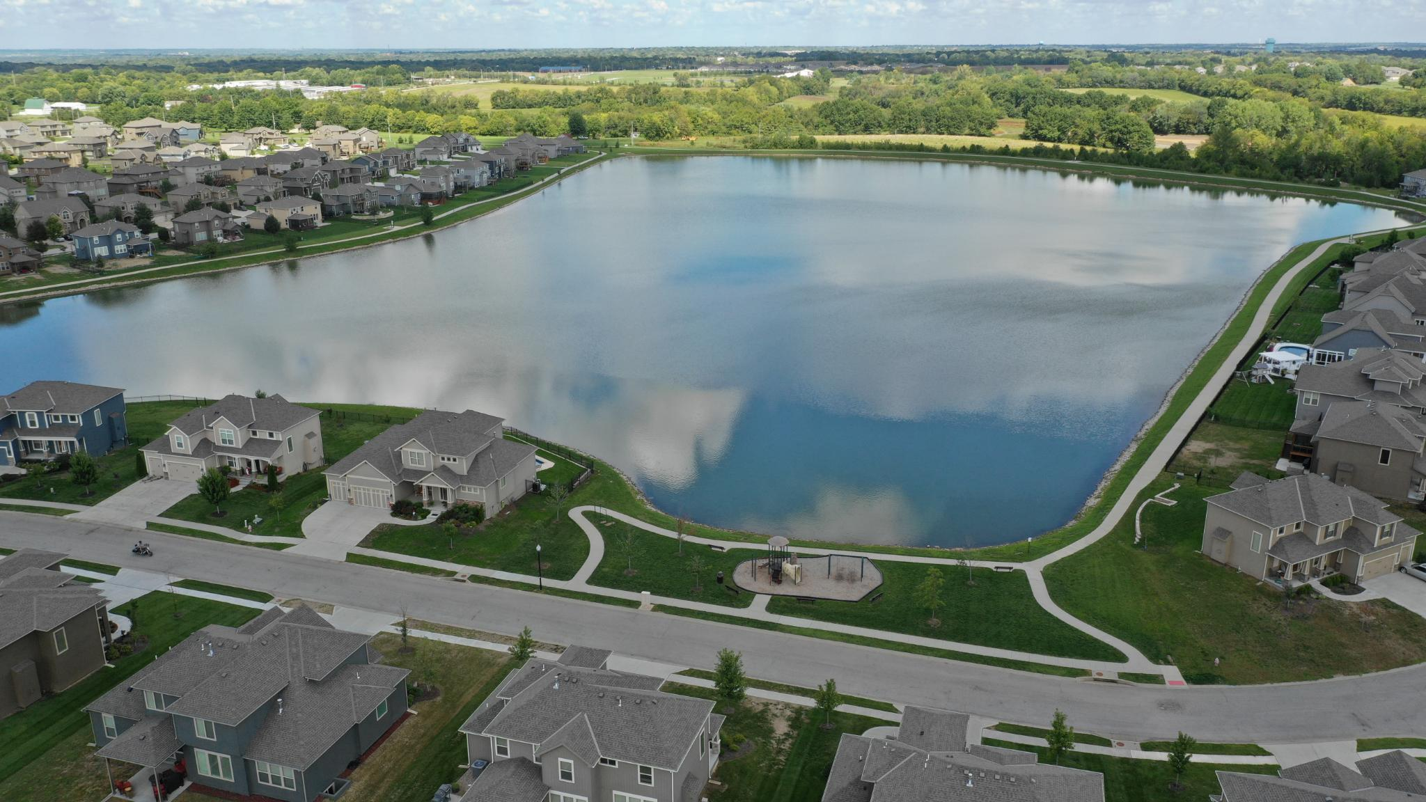 'Ridgewood Place At Chapman Farms' by Summit Homes KC in Kansas City