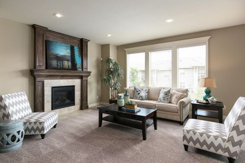 Greatroom-in-The Huntington-at-Eagle Glen-in-Raymore