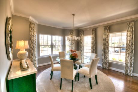 Dining-in-The Chatham-at-The Reserves at High Meadow-in-Douglassville