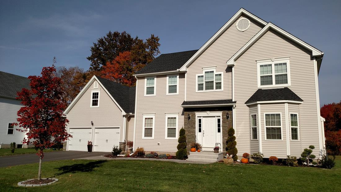 Exterior featured in The Richmond Anna Grand Plus By T & M Homes in Hartford, CT