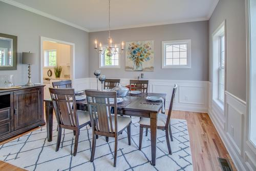 Dining-in-The Francis-at-South Windsor Woods-in-South Windsor