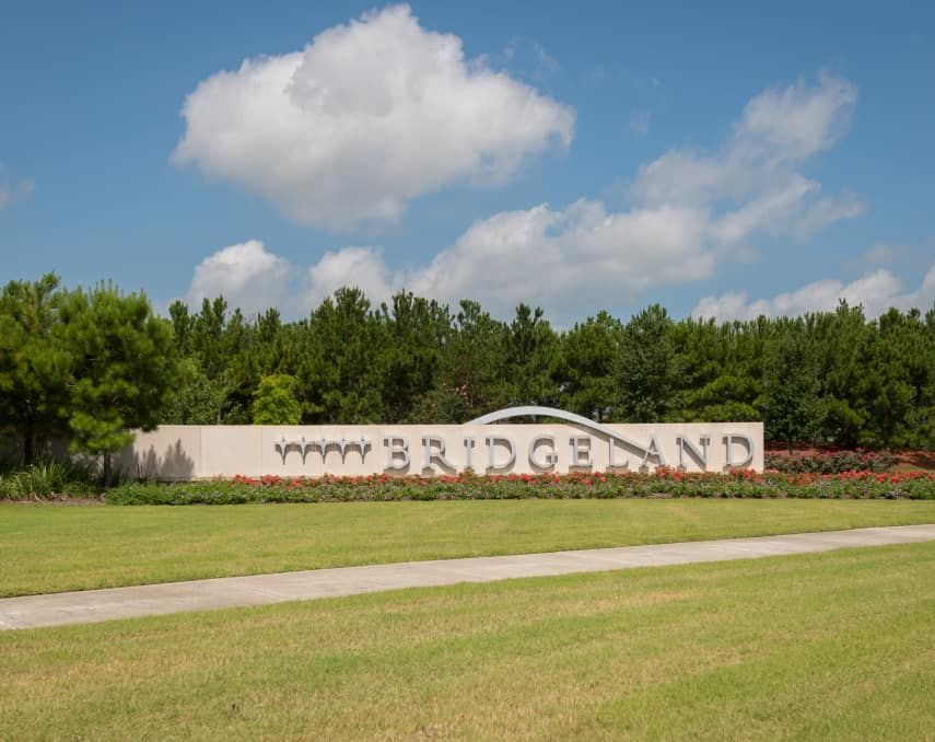 Bridgeland_Entry_Monument_Horizontal_Gallery:Bridgeland | Community Amenities