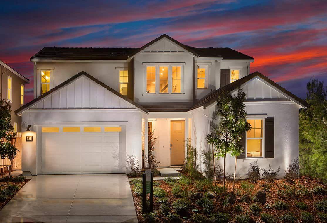 TPH-residence-1950-17_PL2-Front_Brookstone_TriPoin:Plan 2: Farmhouse