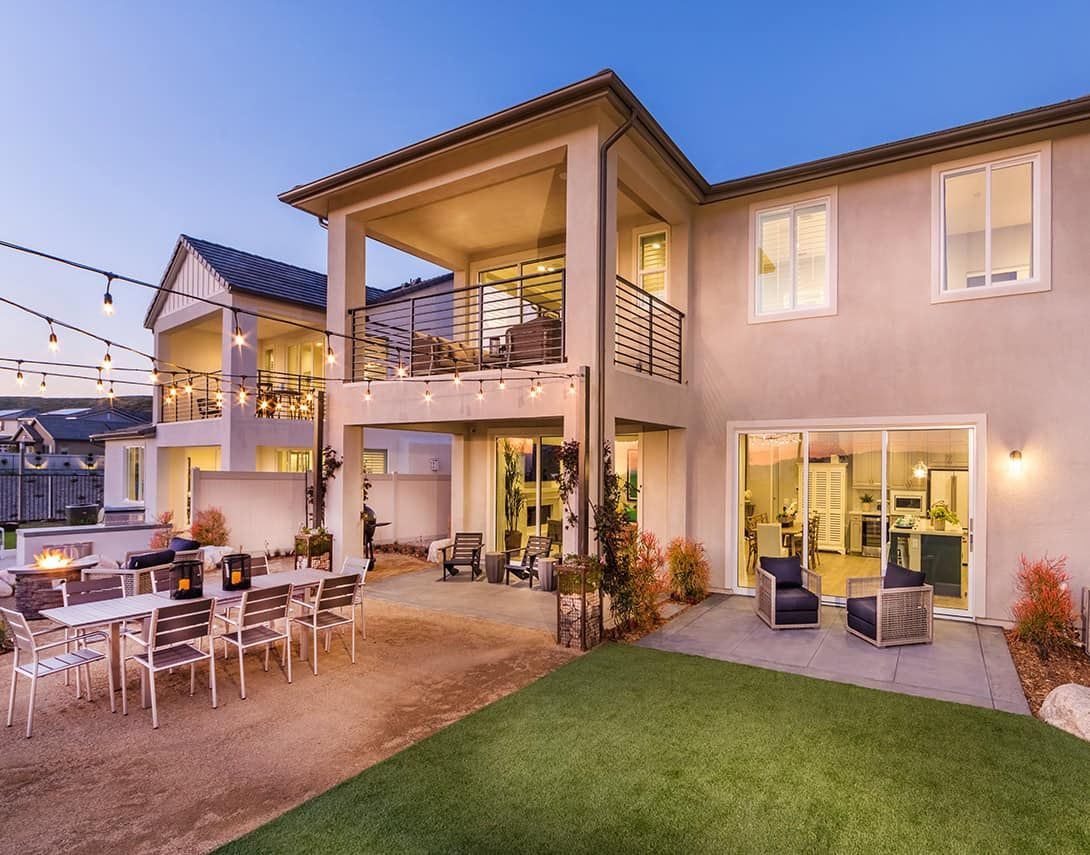 Exterior featured in the Luna Plan 2 By Tri Pointe Homes in Los Angeles, CA