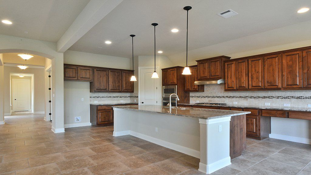 Kitchen-in-Buckingham-at-Traditions at Vizcaya-in-Round Rock