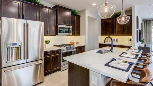 Kitchen-in-Sapphire-at-Greer Ranch Discovery and Encore Collections-in-Surprise
