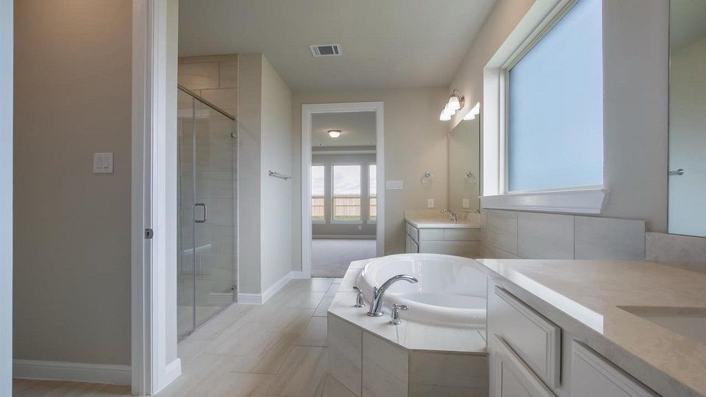 Bathroom-in-Sapphire-at-Cane Island - 60' Homesites-in-Katy