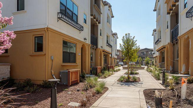 769 Santa Cecilia Terrace (Condo Plan 5)