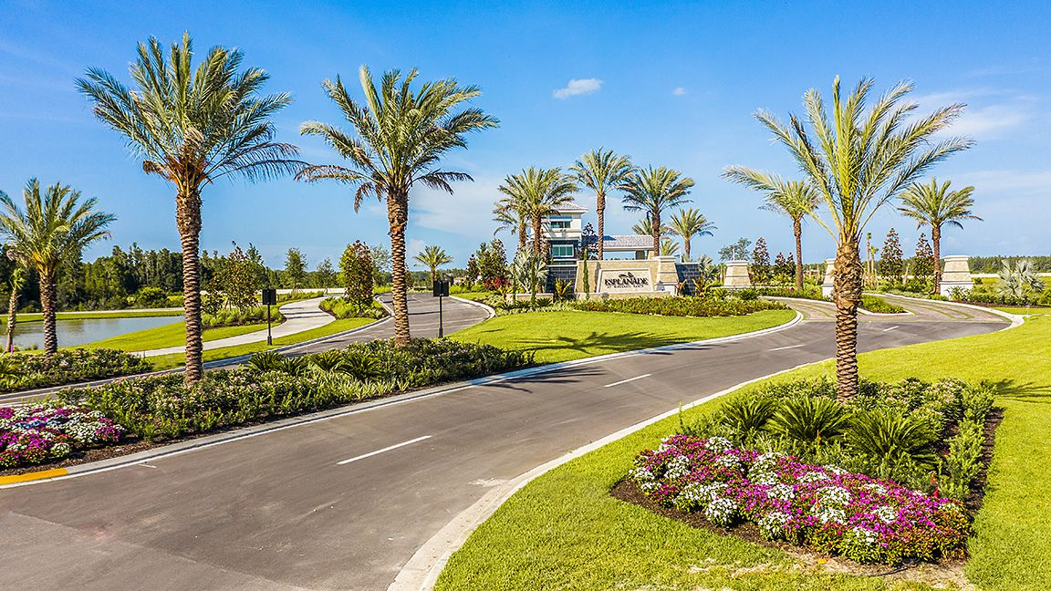 'Esplanade at Wiregrass Ranch' by Taylor Morrison - Tampa in Tampa-St. Petersburg