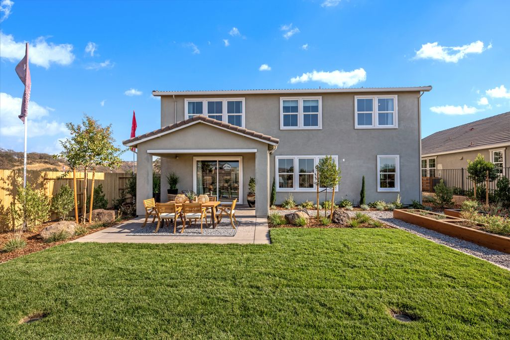 Exterior featured in the Stakes Plan 9 By Taylor Morrison in Sacramento, CA