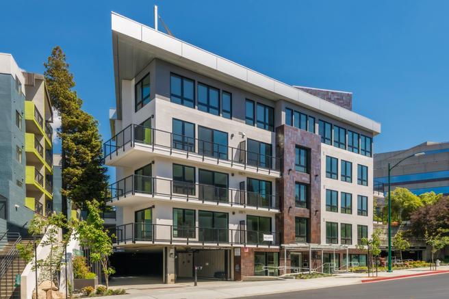1605 Riviera Avenue 601 (2j)