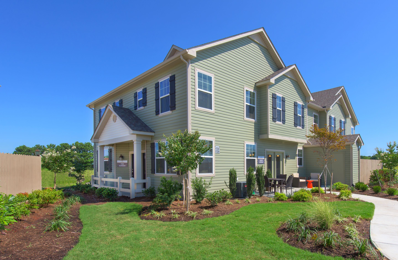 Fabulous New Homes In Virginia Beach Va 87 Communities Newhomesource Home Interior And Landscaping Ymoonbapapsignezvosmurscom