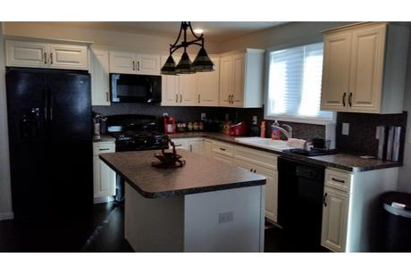 Kitchen-in-The Sycamore-at-Timbercrest Builders-in-Paupack