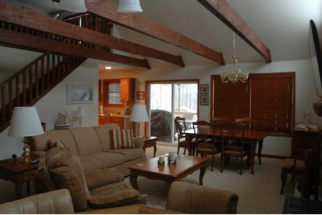 Greatroom-and-Dining-in-The Aspen-at-Timbercrest Builders-in-Paupack