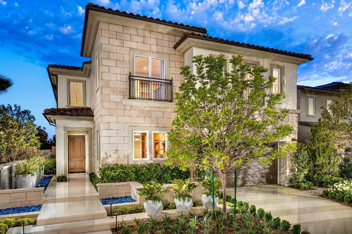 Exterior featured in the Lassen By Toll Brothers in Los Angeles, CA