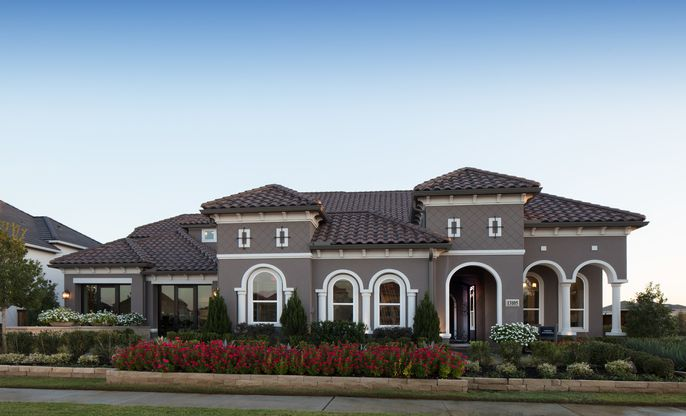 Elevation Image:Curb appeal galore with this model home