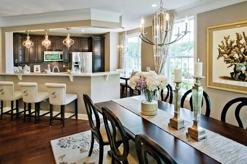 Dining-in-Concord-at-Newtown Woods - Regency Collection-in-Newtown