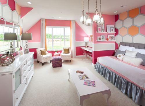 Bedroom-in-Woodstock-at-Laurel Ridge - The Glen-in-Abingdon