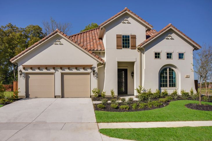 Elevation Image:Impressive stucco and tile roof Tuscan exterior