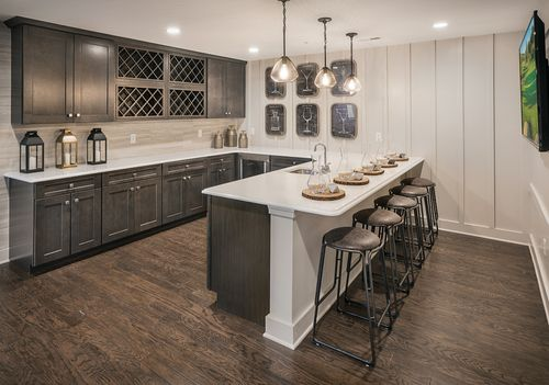 Wet-Bar-in-Kington-at-Ridgewood at Middlebury-in-Middlebury