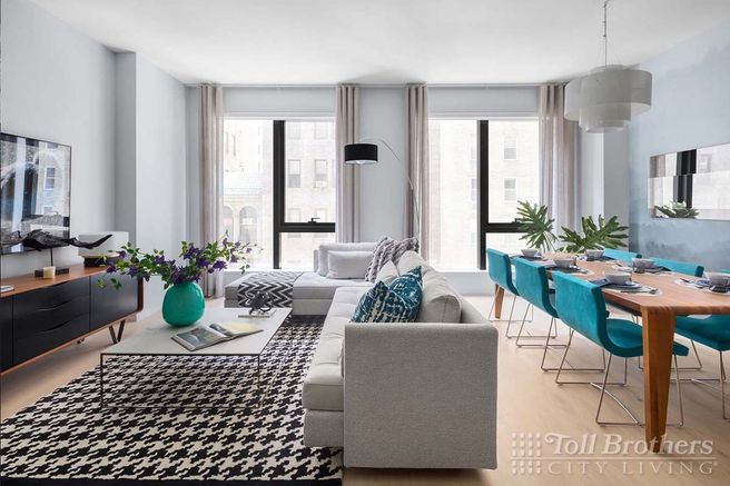 121 East 22nd S803 (S803)