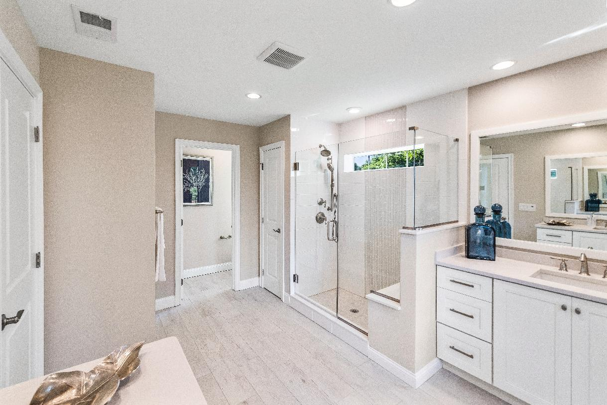 Bathroom featured in the Ringwood By Toll Brothers in Bergen County, NJ