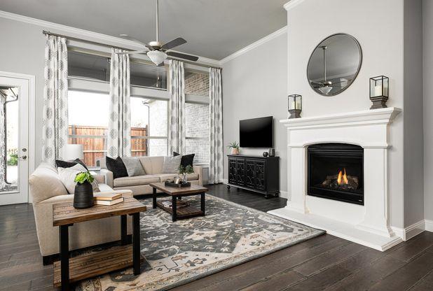 TM McKinneyModelTH 1005:Quinlan Model Home | Family Room