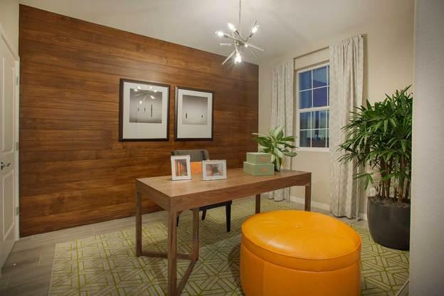 TPH NC Lantana P2 Office:Residence 2 - Den
