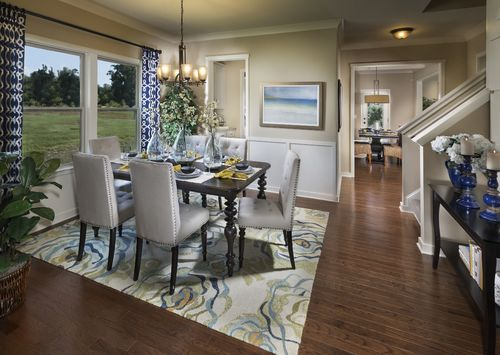 Dining-in-The Huntley-at-Summer Hill Farms-in-Advance