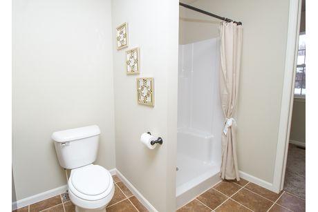 Bathroom-in-The Drake-at-Mallard Ponds-in-Burton
