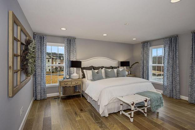 Crest of Alexandria:Single Family Model Master Bedroom
