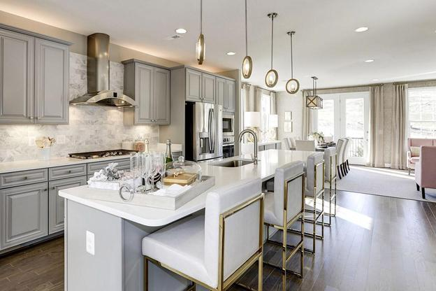Crest of Alexandria:Townhome Model Kitchen