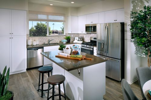 Kitchen Design Ideas in Los Angeles | 336 Pictures | HomLuv on california decorating, formal dining ideas, california gardening, california accessories, california fireplace ideas, california home ideas, california backyard landscape ideas, california style, california party ideas, california gifts ideas, california before and after, california bedroom ideas, california doors, california beach ideas, california living room ideas, bungalow interior design ideas, california painting ideas, california interiors, walk-in pantry ideas, california pool ideas,