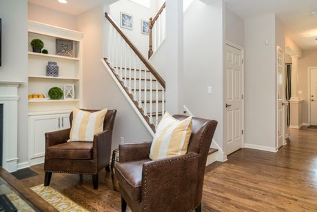 Dining-in-Ascot-at-HillCrest Village-in-Southington