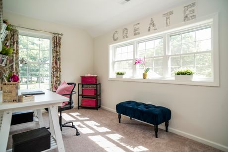 Study-in-Ascot-at-HillCrest Village-in-Southington