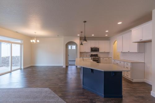 Kitchen-in-The Homestead-at-Twin Bridges-in-Spokane Valley