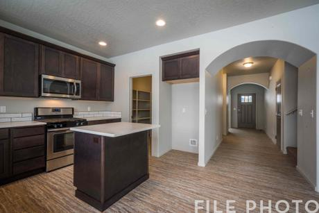 Kitchen-in-The Avalon Basement-at-Highlandview Heights-in-Kennewick