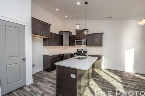 Kitchen-in-The Cambridge 1416-at-Highlandview Heights-in-Kennewick