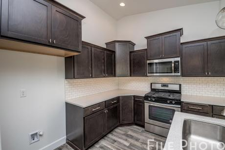 Kitchen-in-The Cambridge 1416-at-Madison Park-in-Pasco