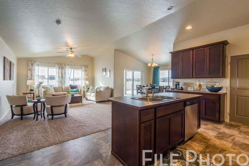 Greatroom-and-Dining-in-The Carolina Basement-at-Highlandview Heights-in-Kennewick