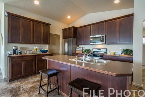 Kitchen-in-The Carolina Basement-at-Highlandview Heights-in-Kennewick