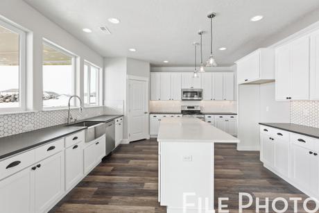 Kitchen-in-The Savannah-at-Twin Bridges-in-Spokane Valley