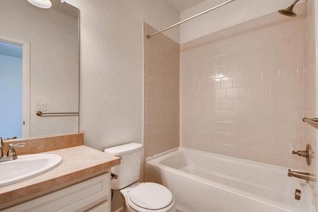 Bathroom-in-50C3-at-Flatiron Meadows-in-Erie